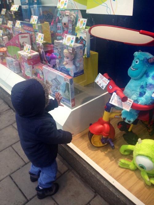 Ooh Look, Toys